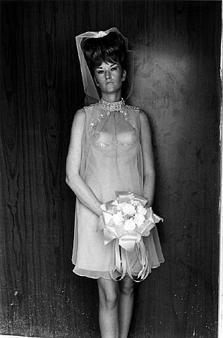 Lee Friedlander - Topless Bridesmaid, 1967