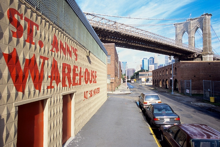 St. Ann's Warehouse - Source: www.flickr.com/photos/offmanhattan/